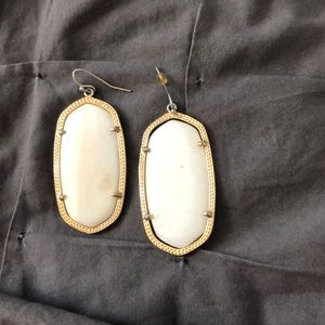 Kendra Scott Danielle Earrings in Ivory